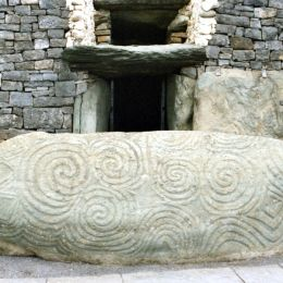 A day in Newgrange Co Meath organised by DMC in Ireland, Discover Ireland Tours