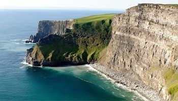 The Famous Cliffs of Moher along the wild atlantic way can be seen on Discover Ireland Tours Leisure Tours