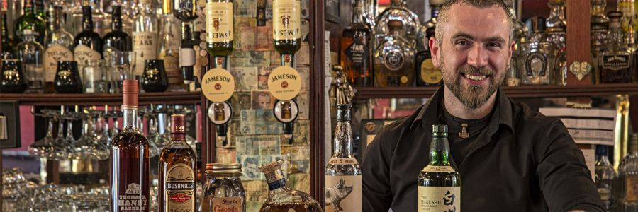 Stop for a whiskey in one of the many wonderful pubs of Ireland with Discover Ireland Tours.